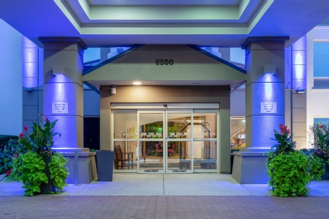 Holiday Inn Express & Suites Chicago-Midway Airport, IL 60638 near Midway International Airport View Point 25