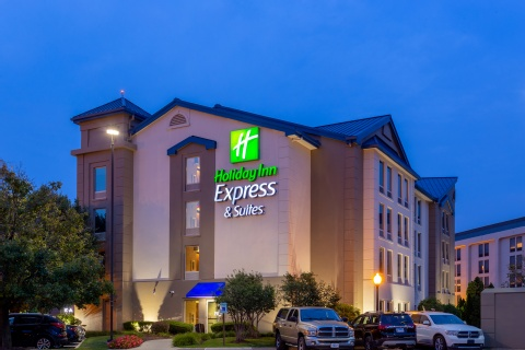 Holiday Inn Express & Suites Chicago-Midway Airport, IL 60638 near Midway International Airport View Point 24
