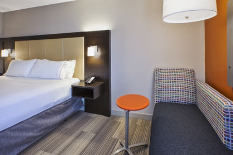 Holiday Inn Express & Suites Chicago-Midway Airport, IL 60638 near Midway International Airport View Point 7