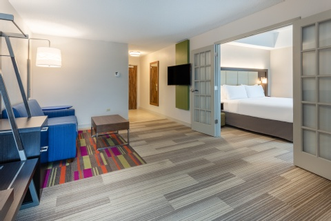 Holiday Inn Express & Suites Chicago-Midway Airport, IL 60638 near Midway International Airport View Point 2