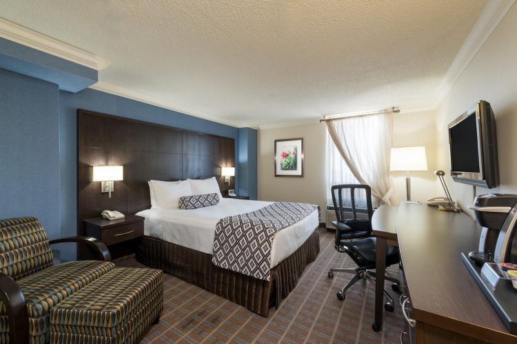 Crowne Plaza Toronto Airport , ON M9W 6H5 near Toronto Pearson International Airport View Point 8