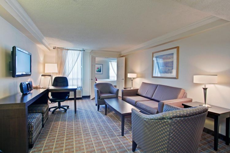 Crowne Plaza Toronto Airport , ON M9W 6H5 near Toronto Pearson International Airport View Point 6