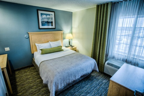 Candlewood Suites Fargo-N. Dakota State Univ., ND 58102 near Hector International Airport View Point 9