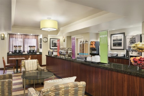 Hampton Inn Portland-Airport, OR 97220 near Portland International Airport View Point 8