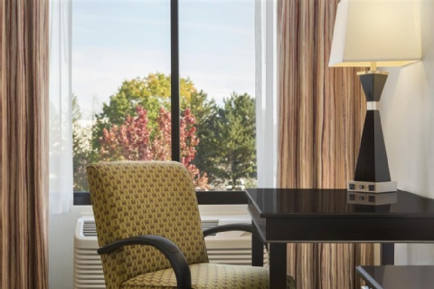 Hampton Inn Portland-Airport, OR 97220 near Portland International Airport View Point 4