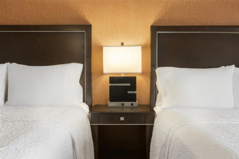 Hampton Inn Portland-Airport, OR 97220 near Portland International Airport View Point 3
