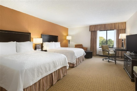 Hampton Inn Portland-Airport, OR 97220 near Portland International Airport View Point 2