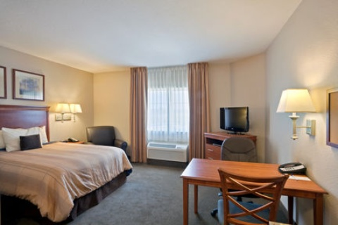 Candlewood Suites Portland-Airport, OR 97220 near Portland International Airport View Point 2