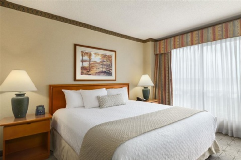 Embassy Suites by Hilton Portland Airport, OR 97220 near Portland International Airport View Point 5
