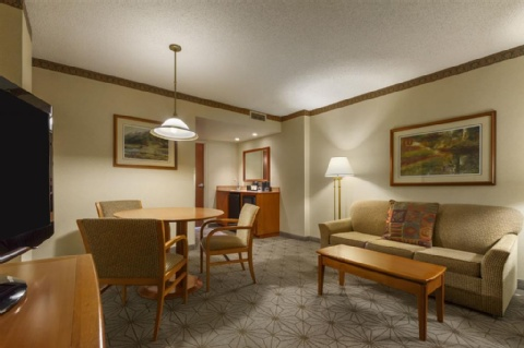 Embassy Suites by Hilton Portland Airport, OR 97220 near Portland International Airport View Point 2