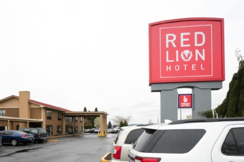 Red Lion Hotel Portland Airport, OR 97220 near Portland International Airport View Point 28