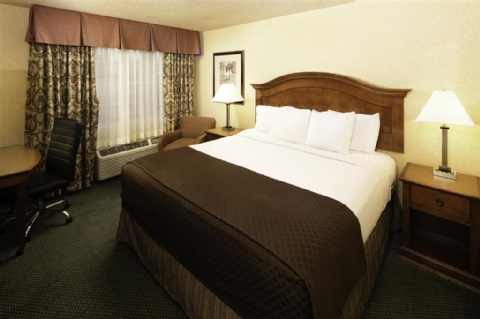 Red Lion Hotel Portland Airport, OR 97220 near Portland International Airport View Point 17