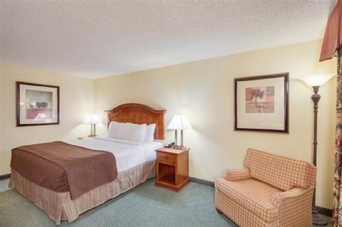 Red Lion Hotel Portland Airport, OR 97220 near Portland International Airport View Point 10