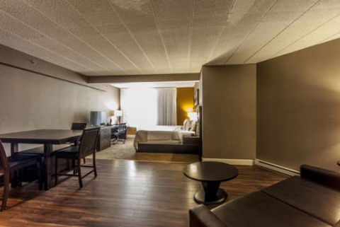Holiday Inn Montreal Airport, QC H4T1E3 near Montreal-Pierre Elliott Trudeau Int. Airport View Point 18