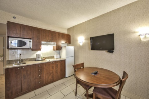 Holiday Inn Montreal Airport, QC H4T1E3 near Montreal-Pierre Elliott Trudeau Int. Airport View Point 11