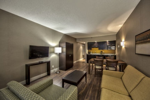Holiday Inn Montreal Airport, QC H4T1E3 near Montreal-Pierre Elliott Trudeau Int. Airport View Point 10