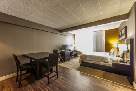 Holiday Inn Montreal Airport, QC H4T1E3 near Montreal-Pierre Elliott Trudeau Int. Airport View Point 5