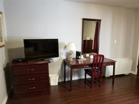 Baymont by Wyndham Montreal Airport, QC H4T 1E5 near Montreal-Pierre Elliott Trudeau Int. Airport View Point 16
