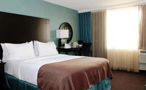 Holiday Inn Hotel & Suites Pointe-Claire Montreal Airport, QC H9R1C2 near Montreal-Pierre Elliott Trudeau Int. Airport View Point 10