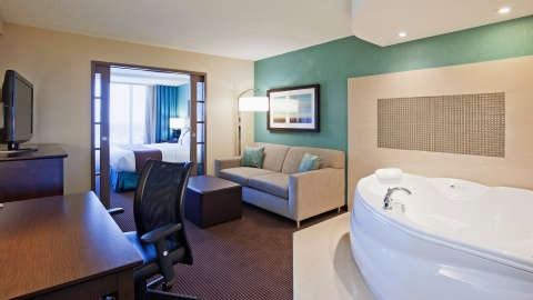 Holiday Inn Hotel & Suites Pointe-Claire Montreal Airport, QC H9R1C2 near Montreal-Pierre Elliott Trudeau Int. Airport View Point 5