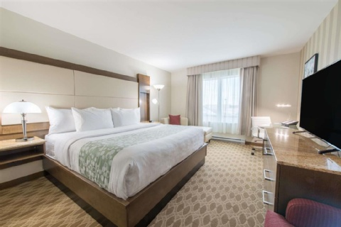 Wyndham Garden Calgary Airport, AB T3J 0T4 near Calgary International Airport View Point 5