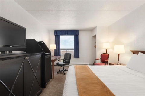 Travelodge by Wyndham Calgary International Airport South, AB T1Y 3C2 near Calgary International Airport View Point 7