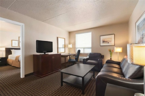 Travelodge by Wyndham Calgary International Airport South, AB T1Y 3C2 near Calgary International Airport View Point 2
