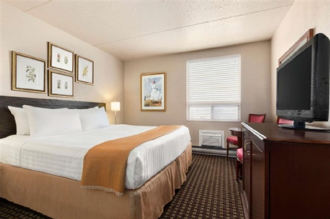 Travelodge by Wyndham Calgary International Airport South, AB T1Y 3C2 near Calgary International Airport View Point 3