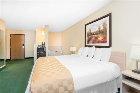 Days Inn & Suites by Wyndham Fargo 19th Ave/Airport Dome, ND 58102 near Hector International Airport View Point 2