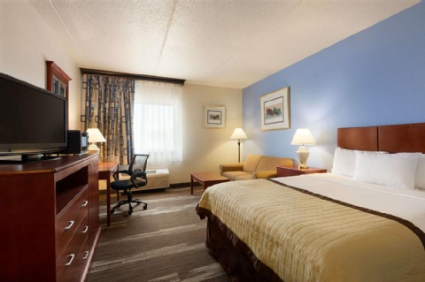 Ramada by Wyndham Fargo, ND 58103 near Hector International Airport View Point 2