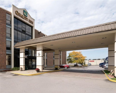 Quality Inn Manchester Airport, NH  near Manchester-boston Regional Airport View Point 29