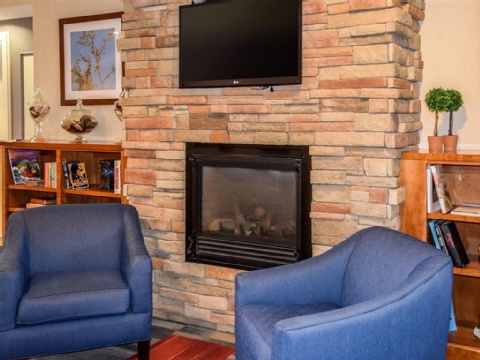 Quality Inn Manchester Airport, NH  near Manchester-boston Regional Airport View Point 21