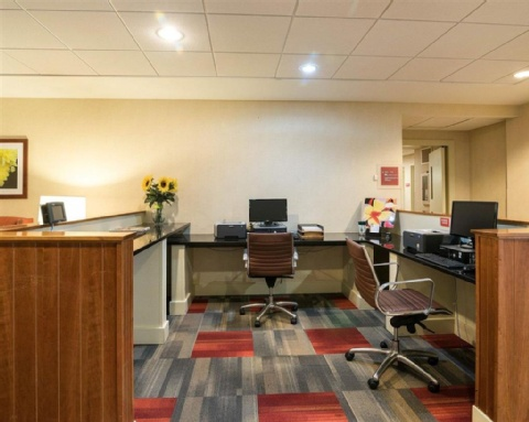 Quality Inn Manchester Airport, NH  near Manchester-boston Regional Airport View Point 18