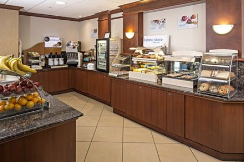 Holiday Inn Express & Suites Manchester-Airport, NH 03103 near Manchester-boston Regional Airport View Point 15