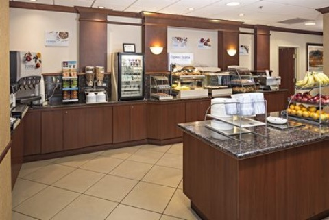 Holiday Inn Express & Suites Manchester-Airport, NH 03103 near Manchester-boston Regional Airport View Point 14