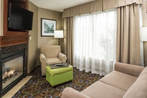 Holiday Inn Express & Suites Manchester-Airport, NH 03103 near Manchester-boston Regional Airport View Point 11