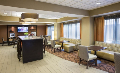 Hampton Inn Metairie, LA 70002 near Louis Armstrong New Orleans International Airport  View Point 9