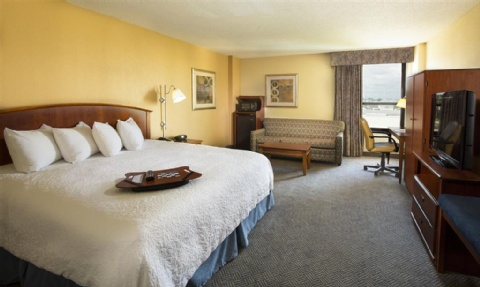 Hampton Inn Metairie, LA 70002 near Louis Armstrong New Orleans International Airport  View Point 7