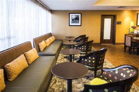 Hampton Inn Philadelphia-International Airport, PA 19153 near Philadelphia International Airport View Point 16