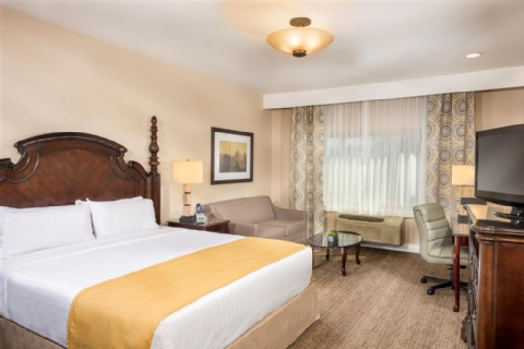 Ayres Suites Ontario Mills Mall, CA 91764 near Ontario International Airport View Point 4
