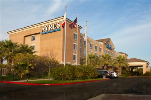 AYRES HOTEL ONTARIO MILLS MALL, CA 91764 near Ontario International Airport View Point 1