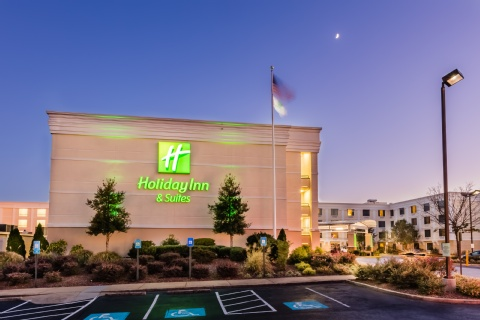 Holiday Inn & Suites Atlanta Airport-North, GA 30344 near Hartsfield-jackson Atlanta International Airport