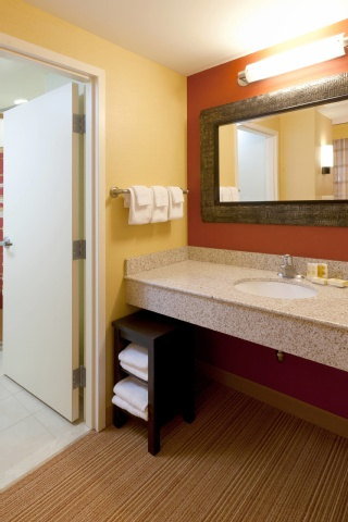 Courtyard by Marriott Buffalo Airport, NY 14225 near Buffalo Niagara International Airport View Point 2