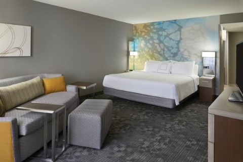 Courtyard by Marriott Toronto Airport, ON M9W 5E8 near Toronto Pearson International Airport View Point 3