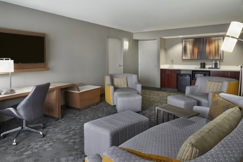 Courtyard by Marriott Toronto Airport, ON M9W 5E8 near Toronto Pearson International Airport View Point 2
