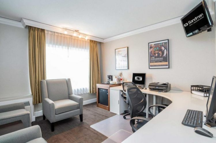 Sandman Hotel Vancouver Airport, BC V6X 3K4 near Vancouver International Airport View Point 14