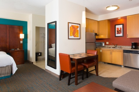 Residence Inn by Marriott Kansas City Airport, MO 64153 near Kansas City International Airport View Point 9