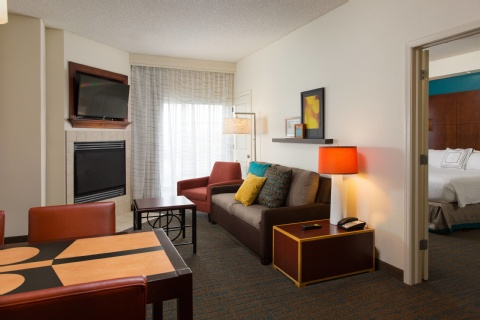 Residence Inn by Marriott Kansas City Airport, MO 64153 near Kansas City International Airport View Point 6