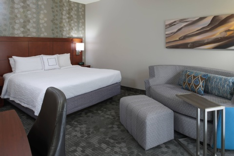 Courtyard by Marriott Kansas City Airport, MO 64153 near Kansas City International Airport View Point 9