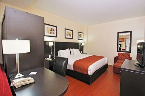Holiday Inn Express & Suites Montreal Airport, QC H8T 1A6 near Montreal-Pierre Elliott Trudeau Int. Airport View Point 5